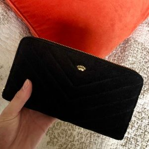 NWT Juicy Couture Velvet Wristlet Wallet